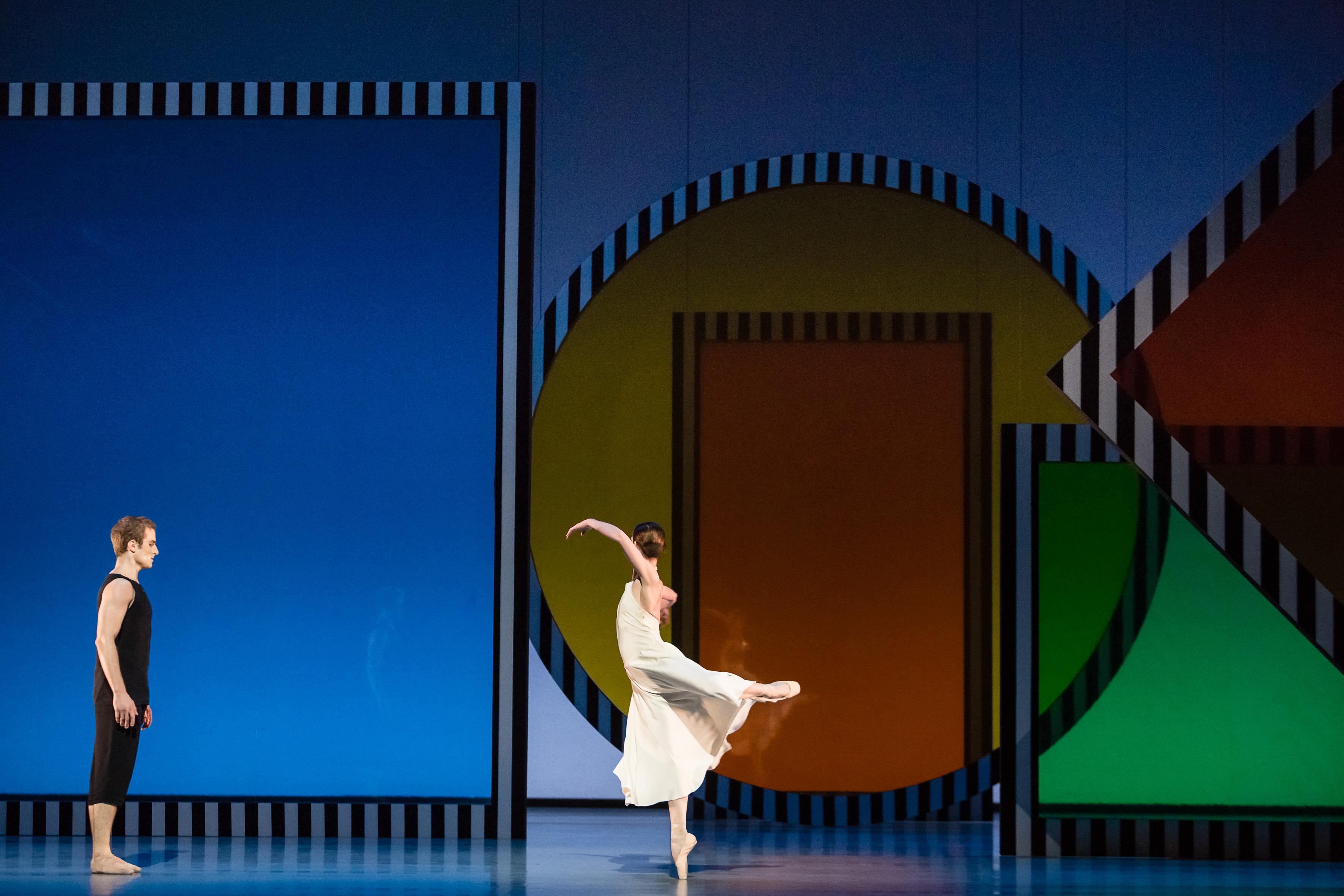 Buren fait tomber les couleurs à l'Opéra
