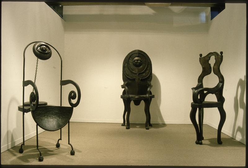 Patrick Vilaire Sculptures objets Mythes du Pouvoir Centre Pompidou Bibliotheque Kandinsky photo Beatrice Hatala